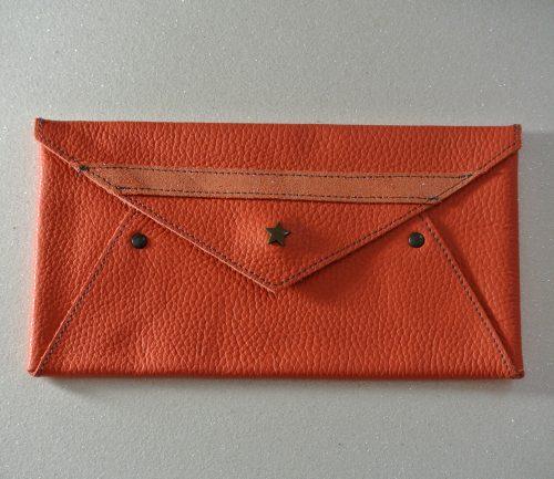 Midi enveloppe en cuir grainé, enveloppe en cuir, enveloppe de voyage, petite enveloppe, made in france, la cartablière