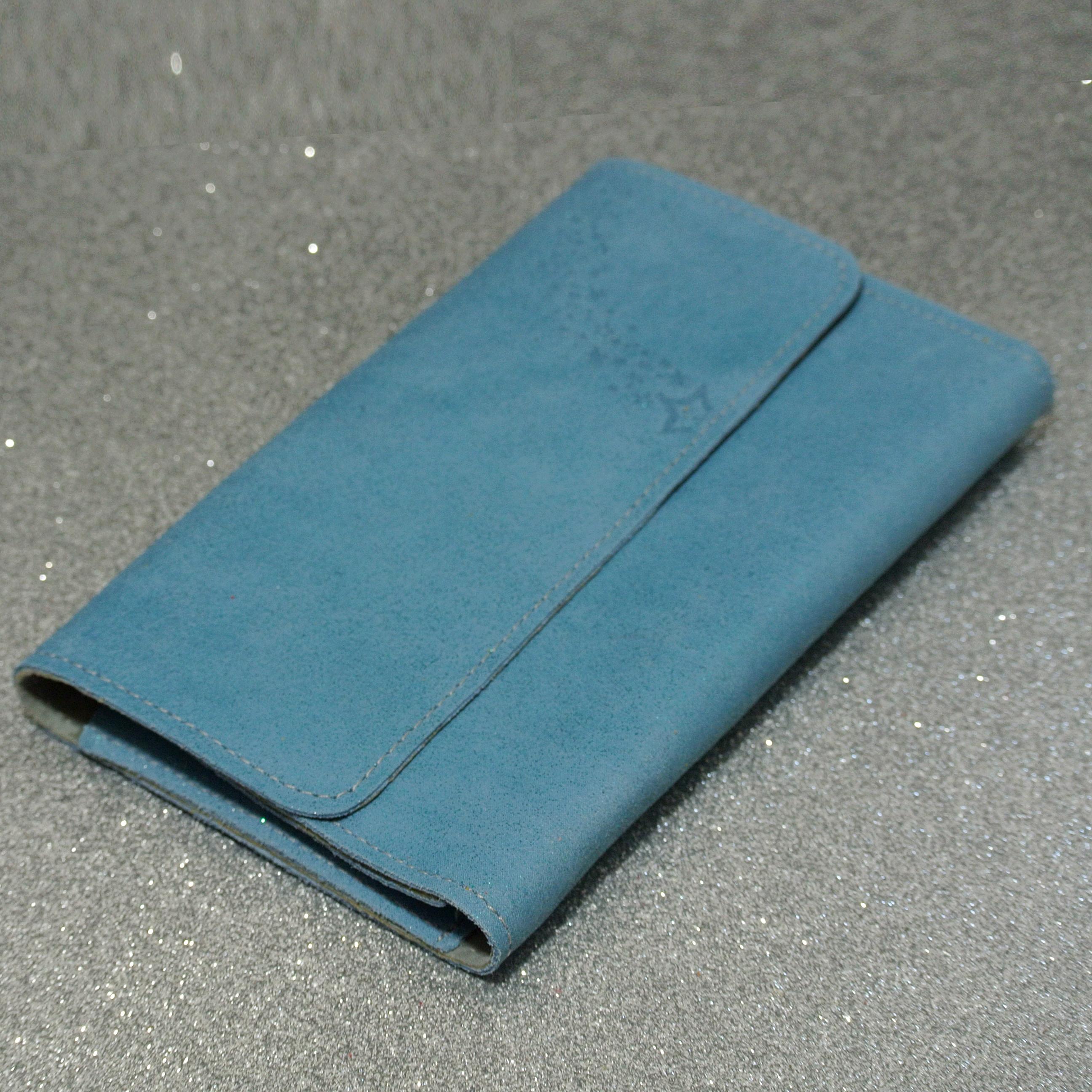 Joli et indispensable porte feuille compagnon, en cuir pailleté, La cartablière, made in France, bleu azur