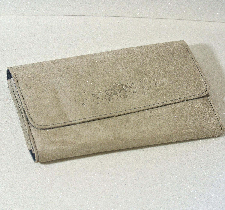 Joli et indispensable porte feuille compagnon, en cuir pailleté, La cartablière, made in France, gris taupe