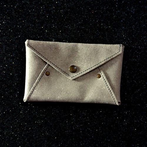 Mini enveloppe en cuir pailleté, enveloppe en cuir, enveloppe de voyage, petite enveloppe, made in france, la cartablière