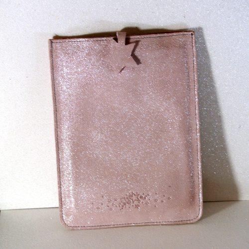 Mini étui à tablette en cuir, protéger votre tablette avec son étui, étui en cuir pour tablette, en cuir, en cuir grainé, en cuir pailleté, made in france, la cartablière