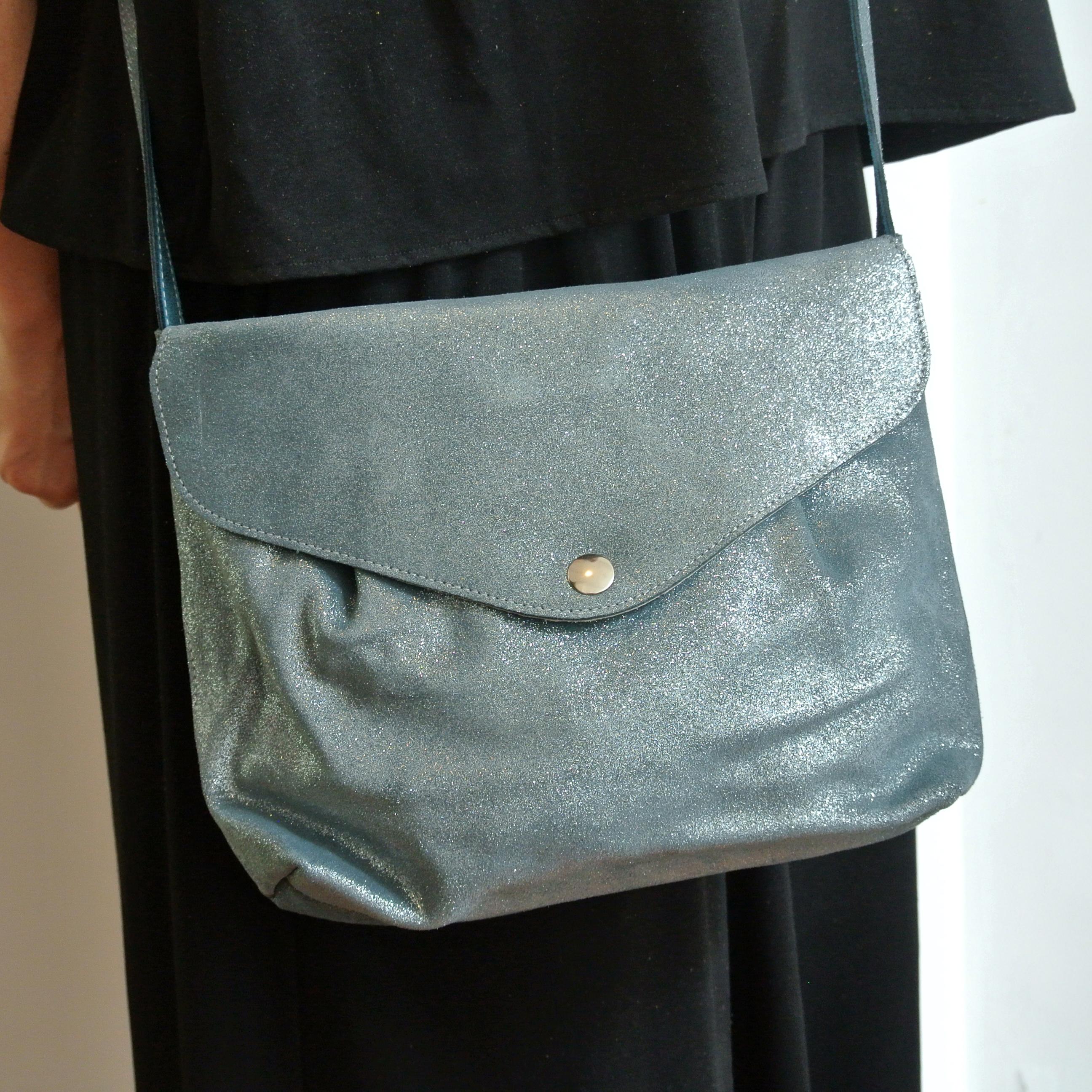 Midi sac à pinces en cuir, bandoulière en cuir, cuir pailleté, cuir de velours, made in france, la Cartablière