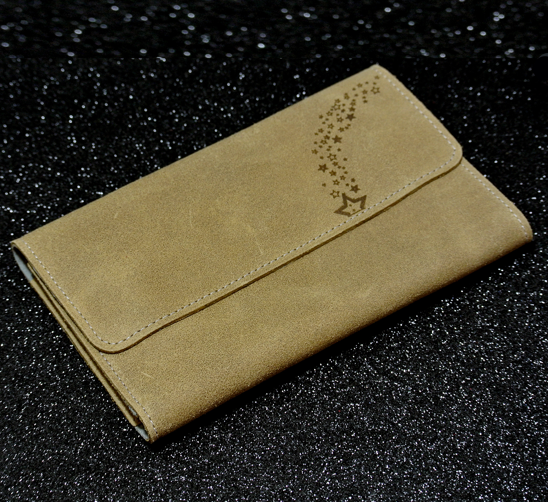 Joli porte-feuille compagnon en cuir rétro beige coquillage, made in France