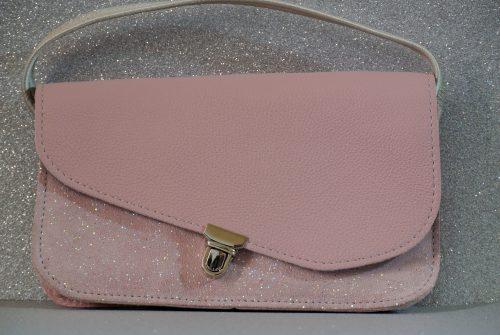 mini pochette, en cuir grainé, attache cartable, pochette cartable, made in france, la cartablière
