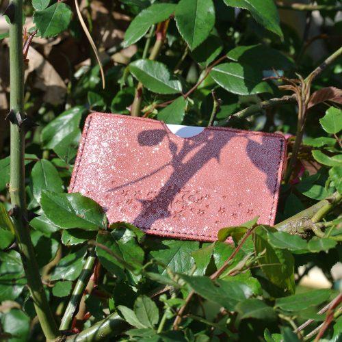 la-cartabliere-fabrique-en-france-cuirs-fantaisies-cuirs-paillete-etui-a-cartes-simple-en-cuir-paillete-