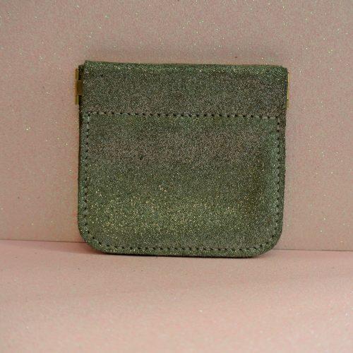 porte monnaie clic clac en cuir pailleté vert militaire