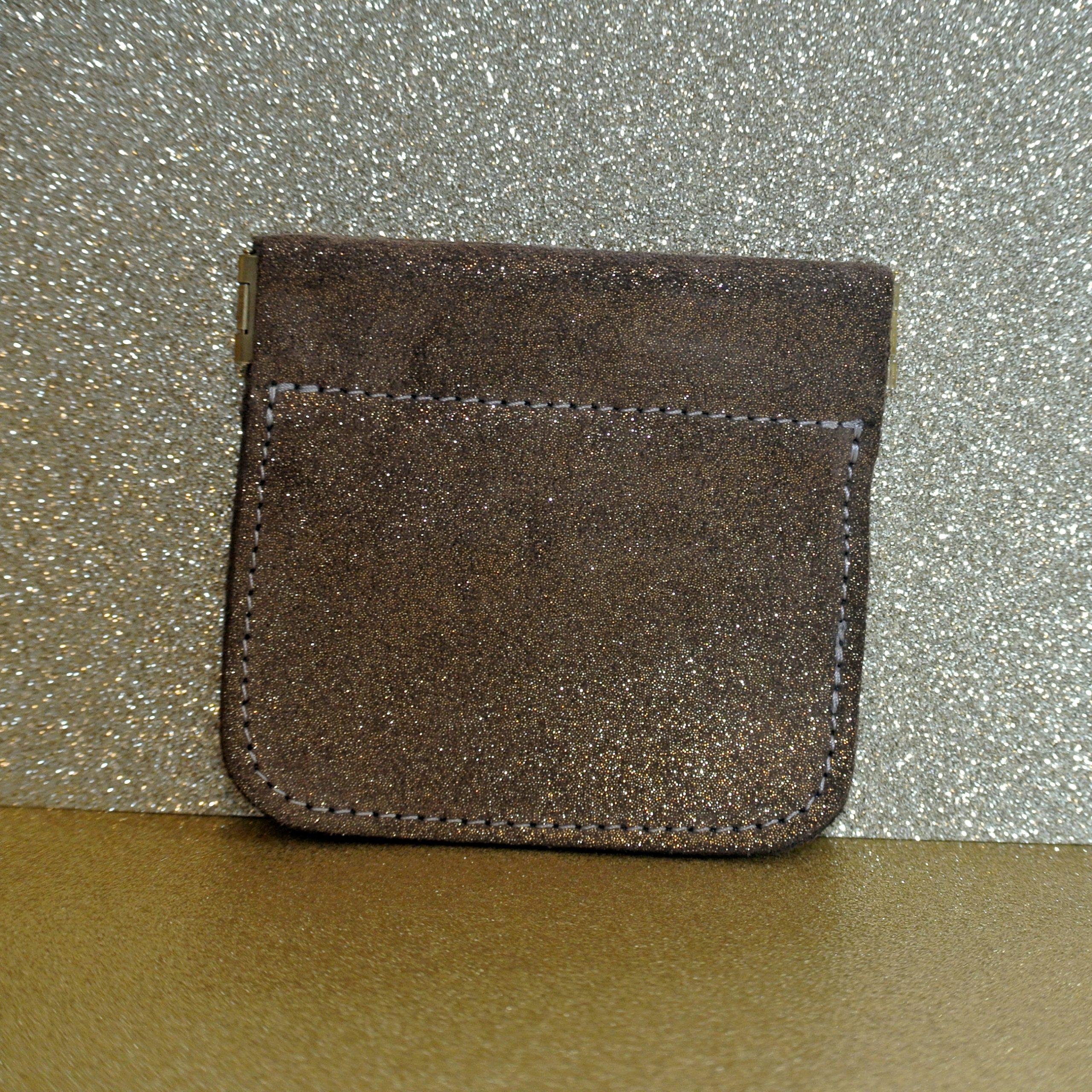 porte monnaie clic clac en cuir pailleté acajou doré