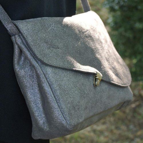 sac-pluton-en-cuirs-fantaisies-fabrique-en-france-la-cartabliere