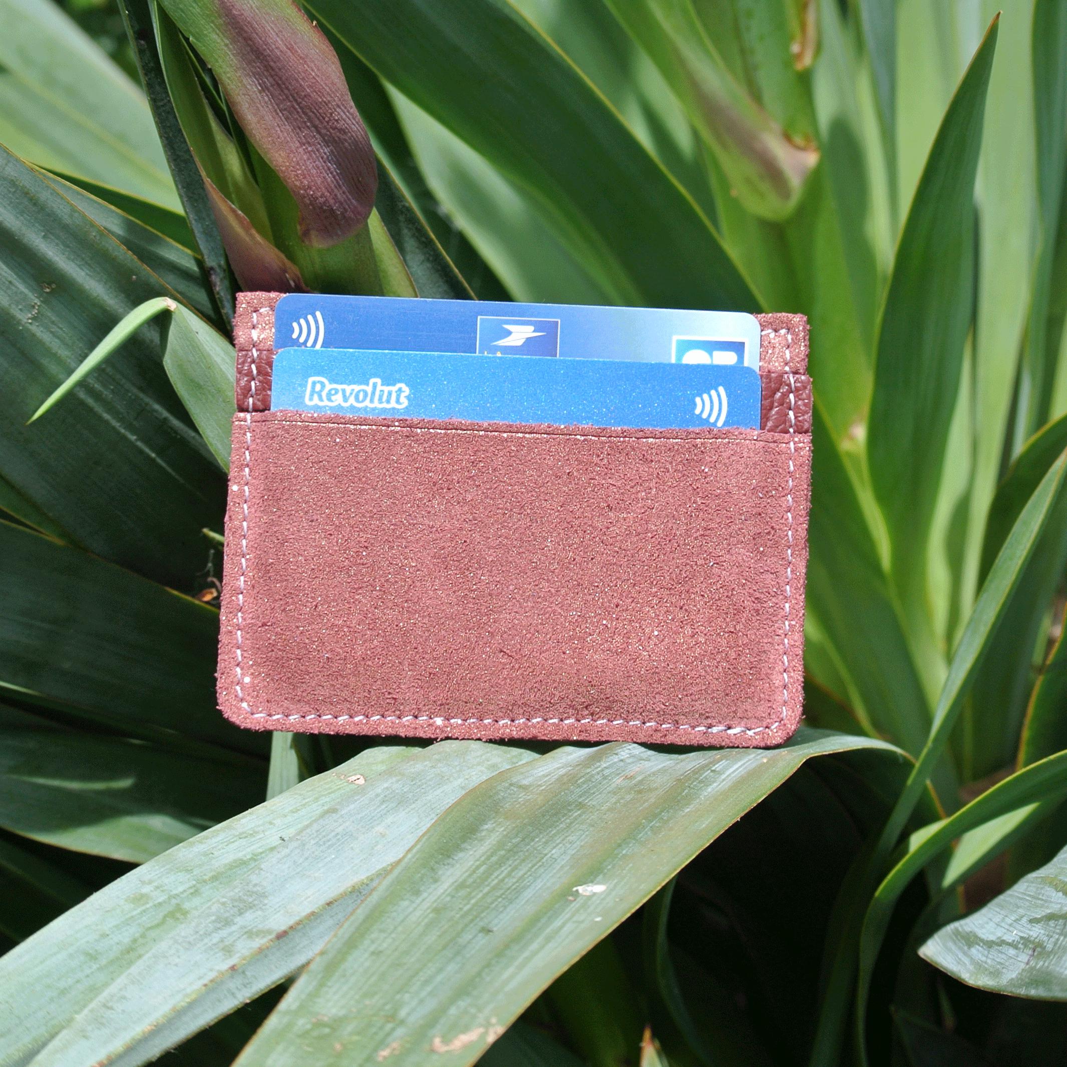 cuirs-pailletés-cuirs-fantaisies-fabriqué-en-france-la-cartabliere-etui-carte-triple-cuir-paillete-grenat-dore