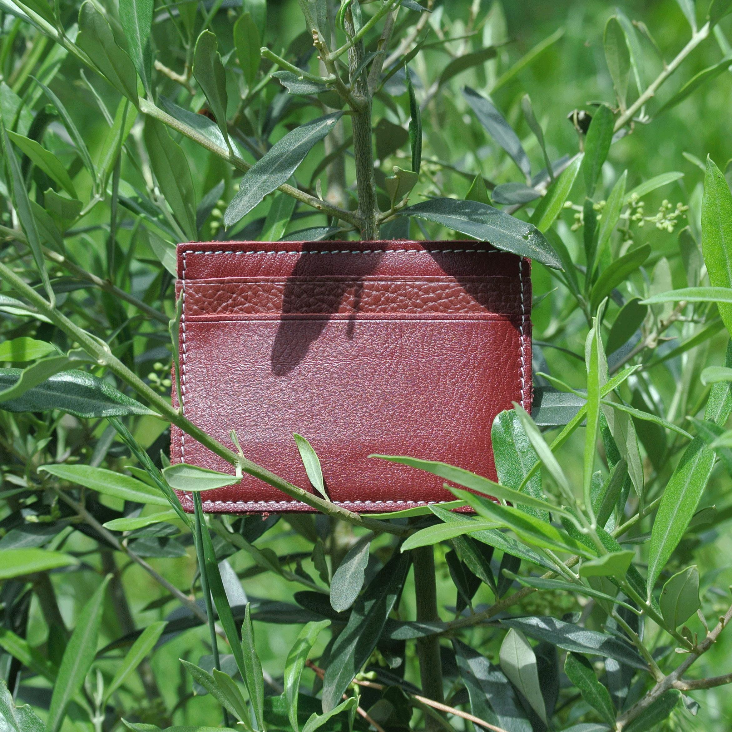 cuirs-pailletés-cuirs-fantaisies-fabriqué-en-france-la-cartabliere-etui-carte-triple-cuir-nappa-bordeaux