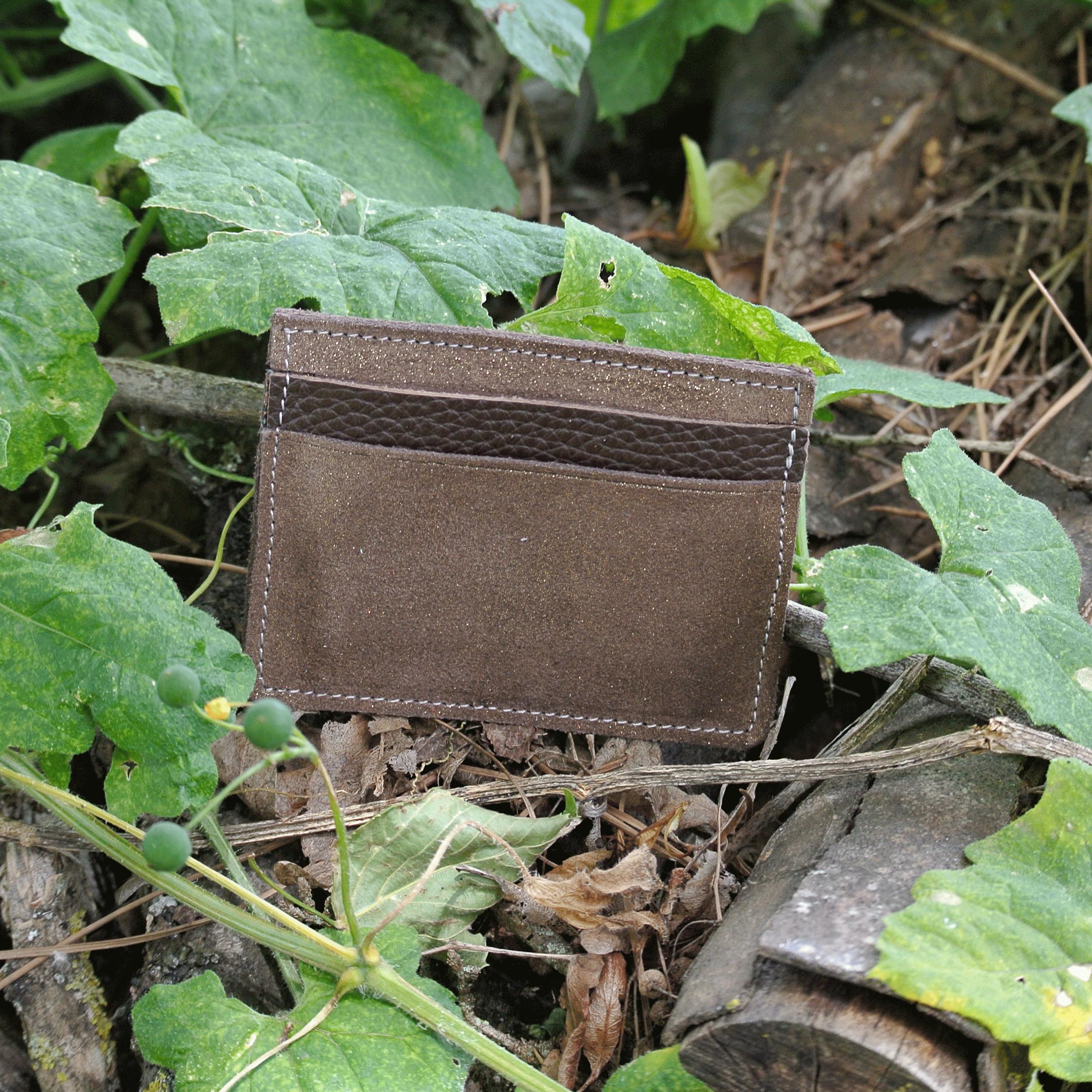 cuirs-pailletés-cuirs-fantaisies-fabriqué-en-france-la-cartabliere-etui-carte-triple-cuir-paillete-acajou-dore