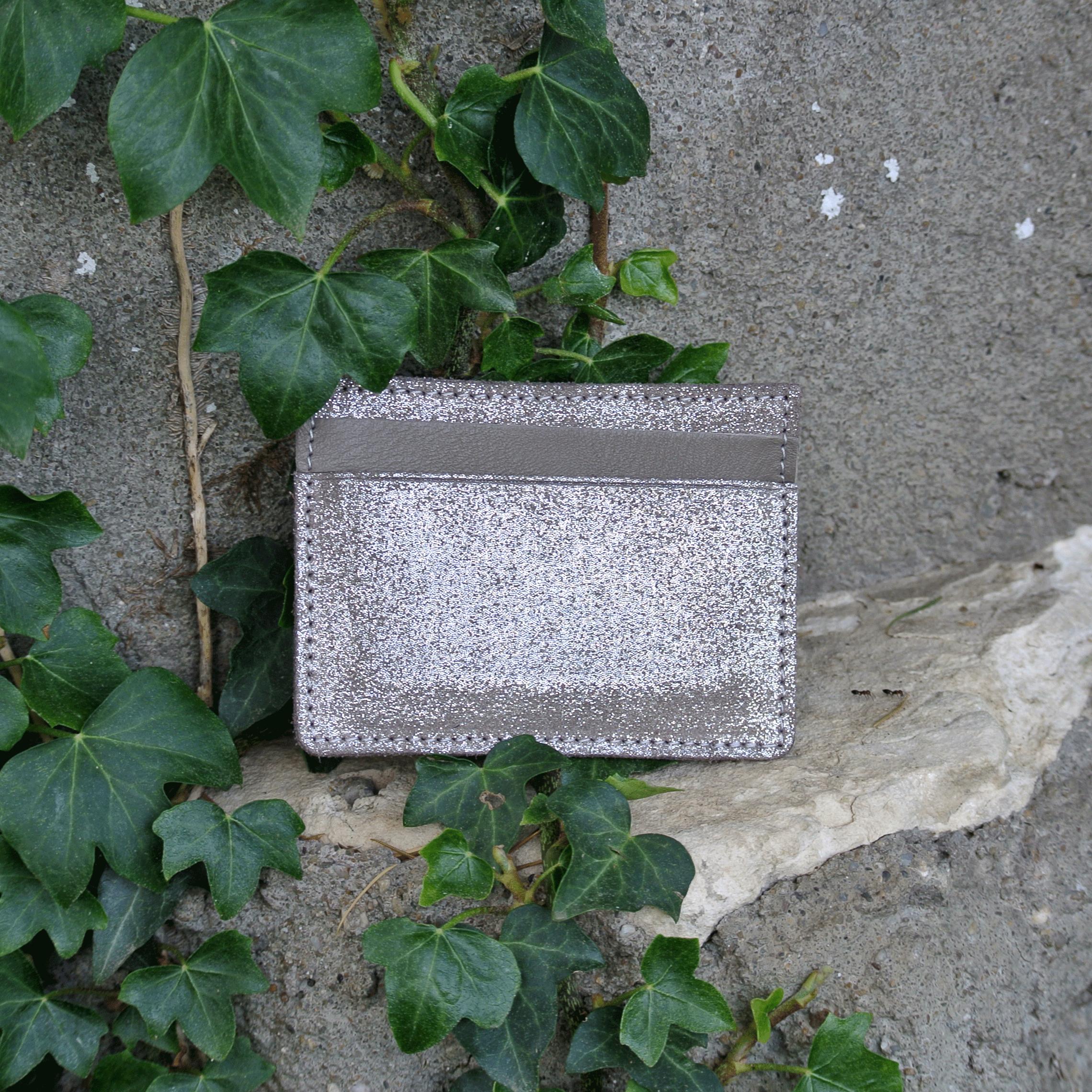 cuirs-pailletés-cuirs-fantaisies-fabriqué-en-france-la-cartabliere-etui-carte-triple-cuir-paillete-biche