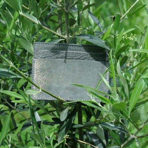 cuirs-pailletés-cuirs-fantaisies-fabriqué-en-france-la-cartabliere-etui-carte-triple-cuir-paillete-fer-dore