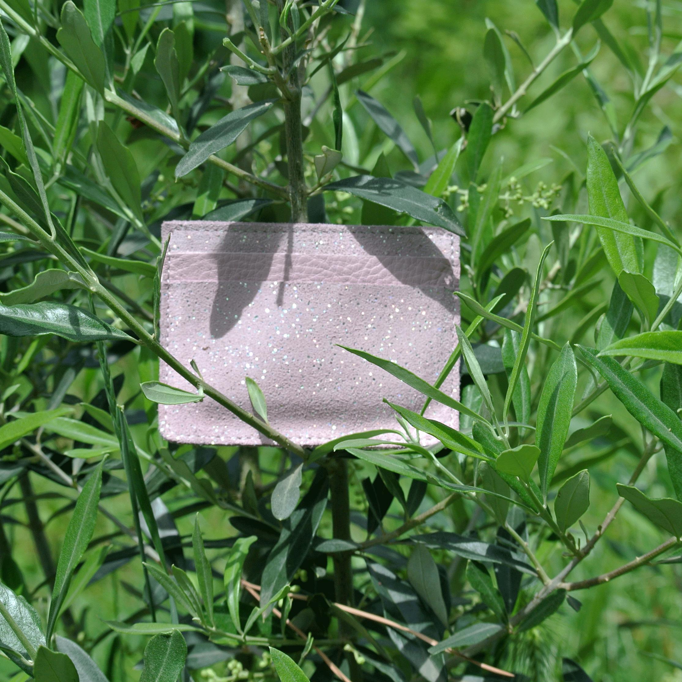 cuirs-pailletés-cuirs-fantaisies-fabriqué-en-france-la-cartabliere-etui-carte-triple-cuir-paillete-rose-quartz