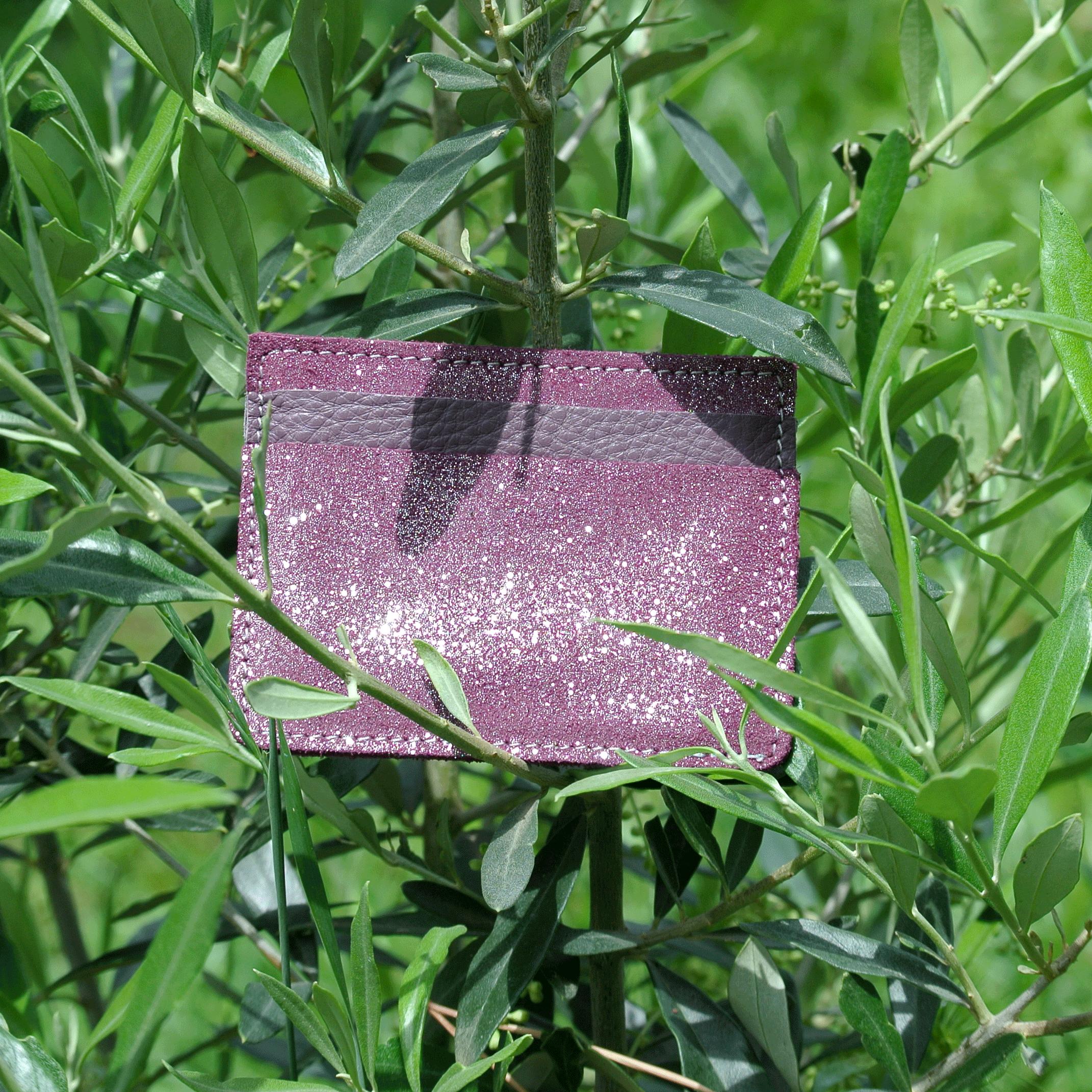 cuirs-pailletés-cuirs-fantaisies-fabriqué-en-france-la-cartabliere-etui-carte-triple-cuir-paillete-violet-eveque