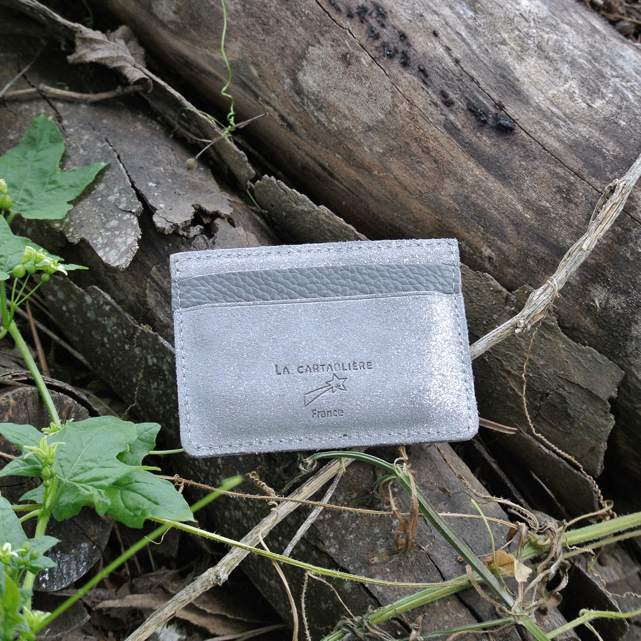 cuirs-pailletés-cuirs-fantaisies-fabriqué-en-france-la-cartabliere-etui-carte-triple-cuir-paillete-gris-tourterelle