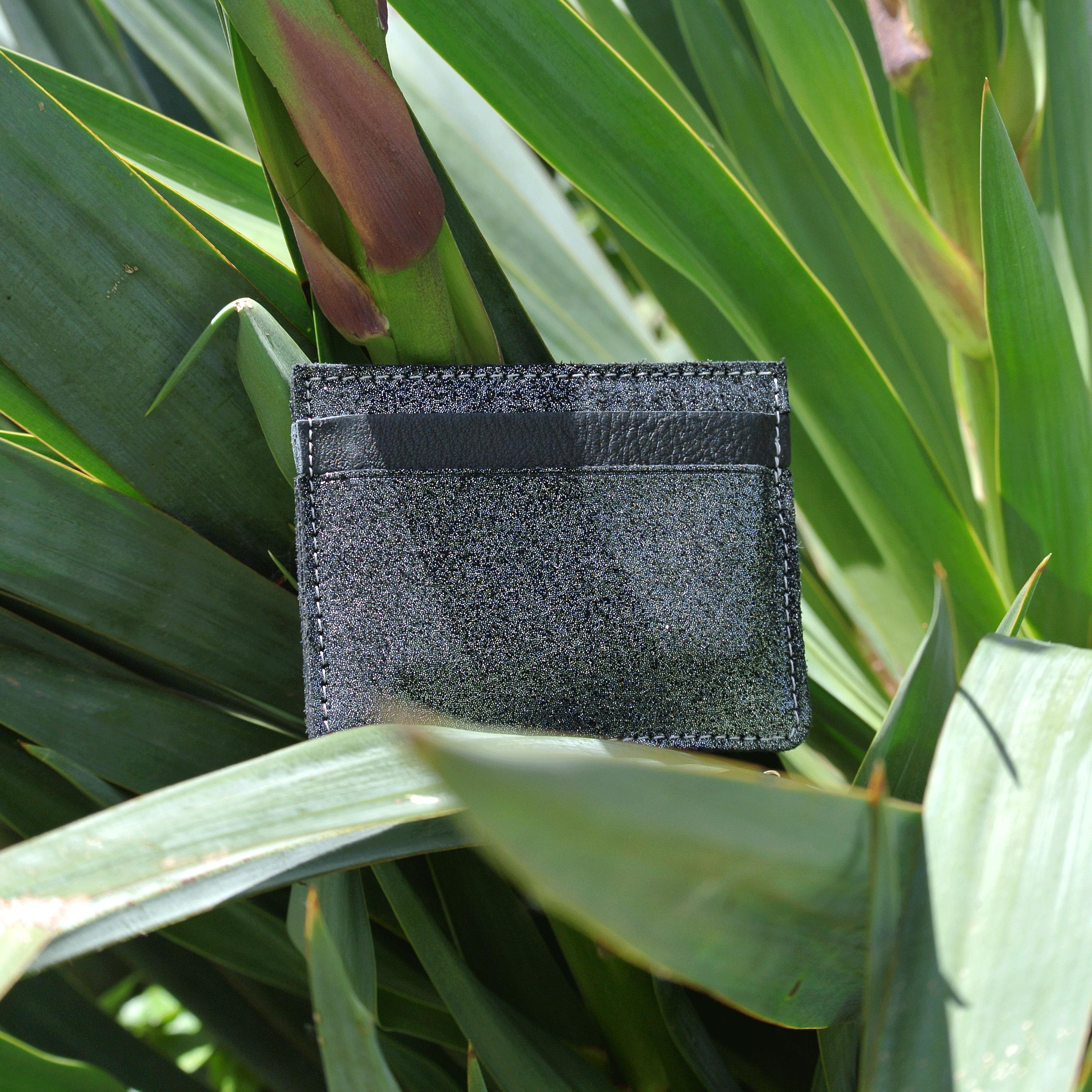 cuirs-pailletés-cuirs-fantaisies-fabriqué-en-france-la-cartabliere-etui-carte-triple-cuir-paillete-noir