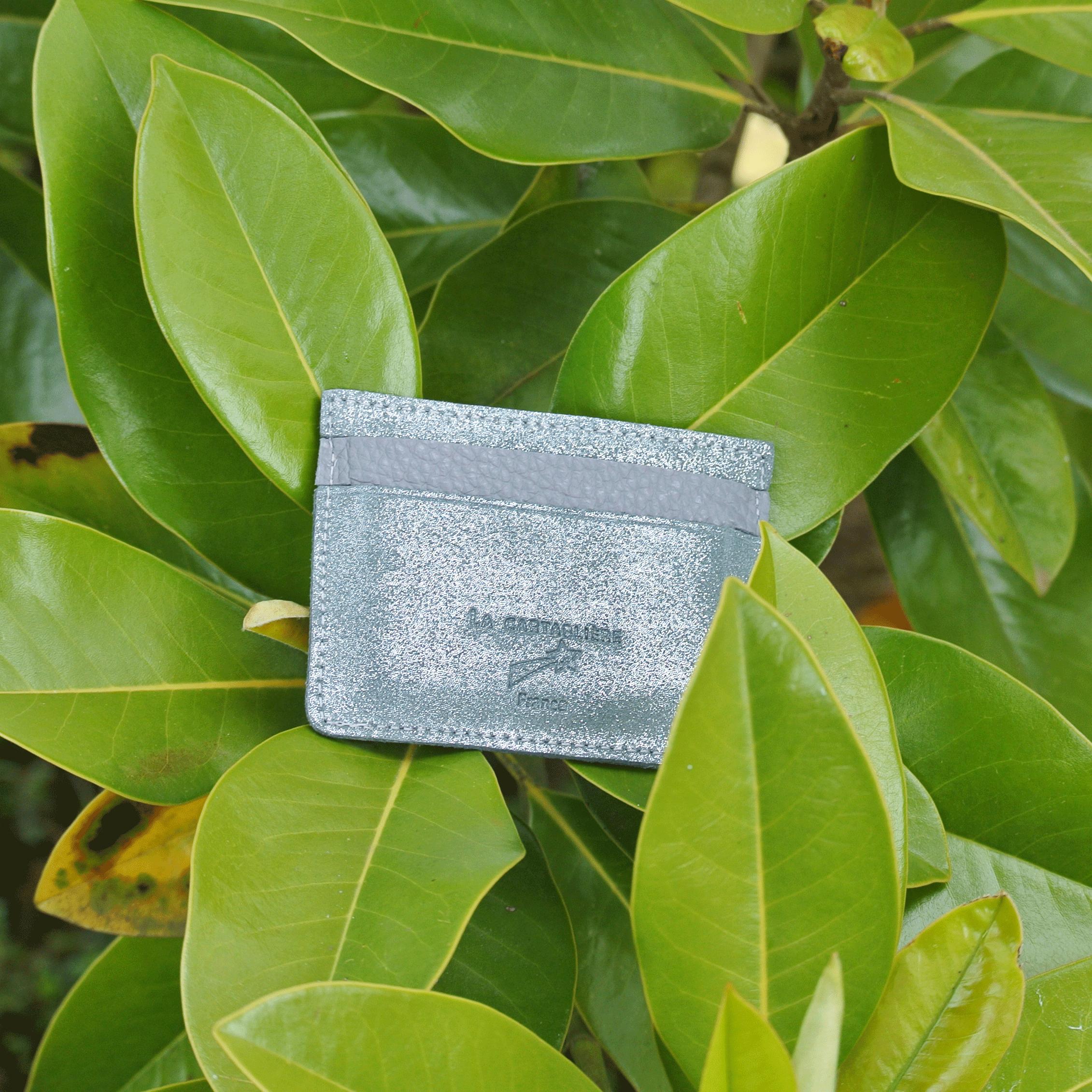 cuirs-pailletés-cuirs-fantaisies-fabriqué-en-france-la-cartabliere-etui-carte-triple-cuir-paillete-pierre-grise