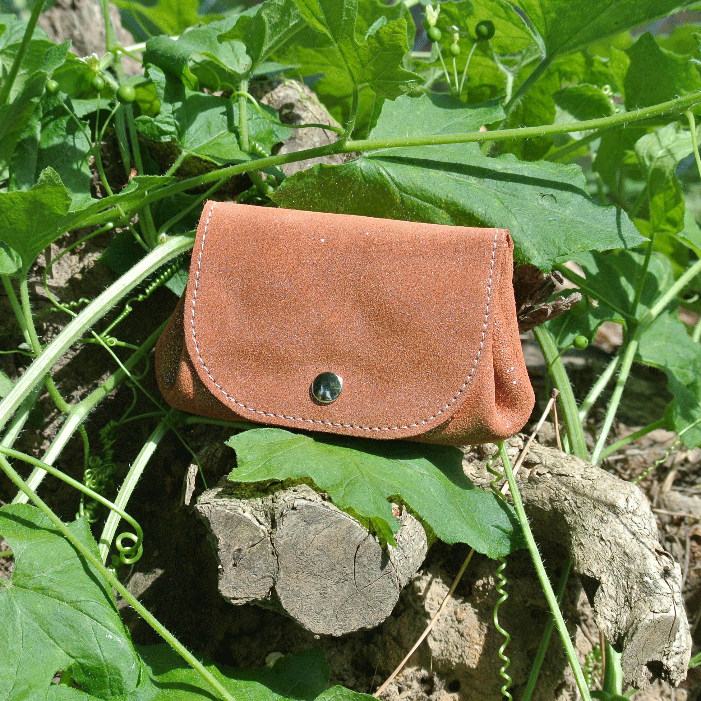 cuirs-fantaisies-la-cartabliere-fabrique-en-france-porte-monnaie-accordeon-en-cuir-paillete-citrouille