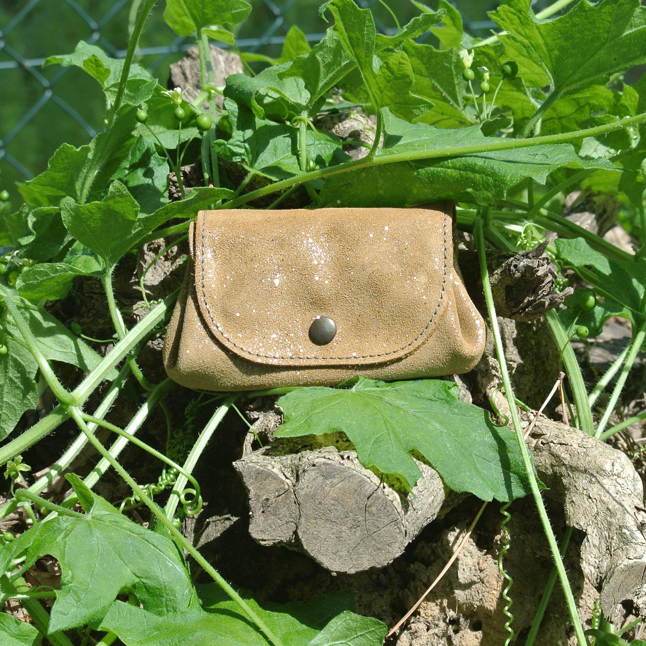cuirs-fantaisies-la-cartabliere-fabrique-en-france-porte-monnaie-accordeon-en-cuir-paillete-rhizome