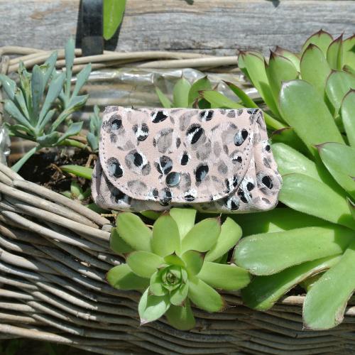 cuirs-fantaisies-la-cartabliere-fabrique-en-france
