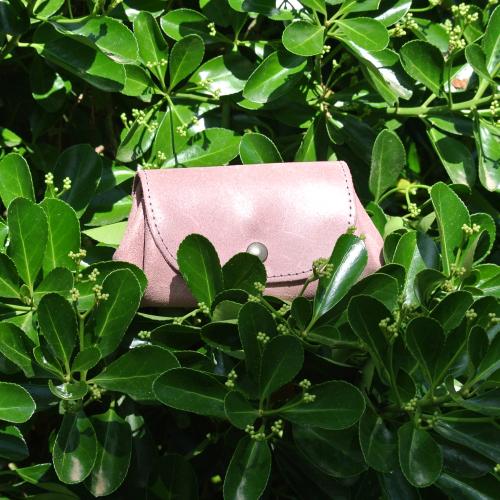 cuirs-fantaisies-la-cartabliere-fabrique-en-france-porte-monnaie-accordeon-en-cuir-retro-rose-ancien