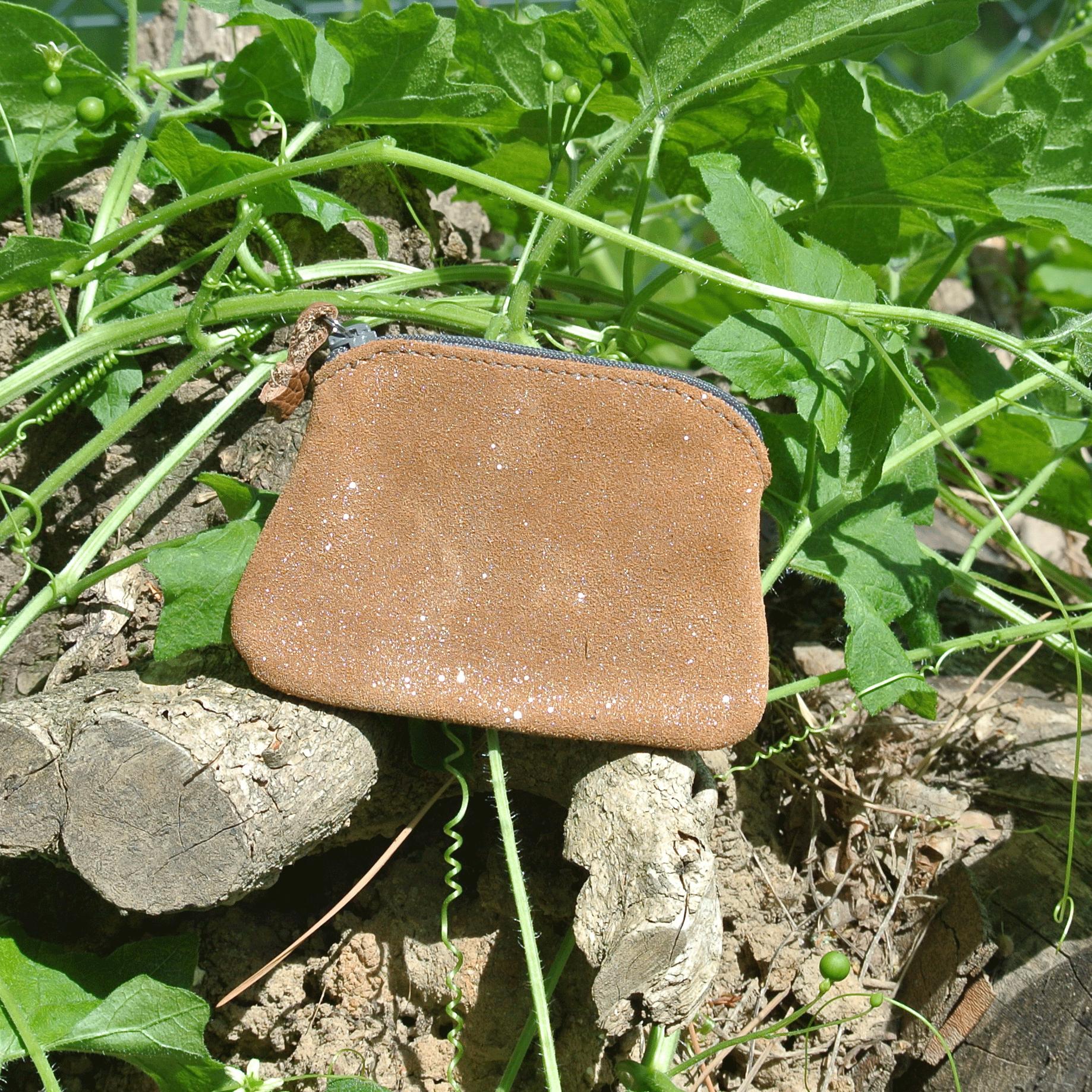 cuirs-fantaisies-la-cartabliere-fabrique-en-france-porte-monnaie-kiwi-en-cuir-paillete-ecorce