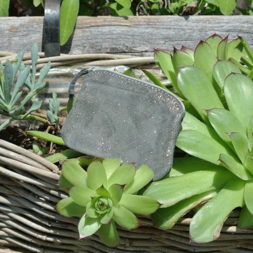 cuirs-fantaisies-la-cartabliere-fabrique-en-france-porte-monnaie-kiwi-en-cuir-paillete-fer-dore