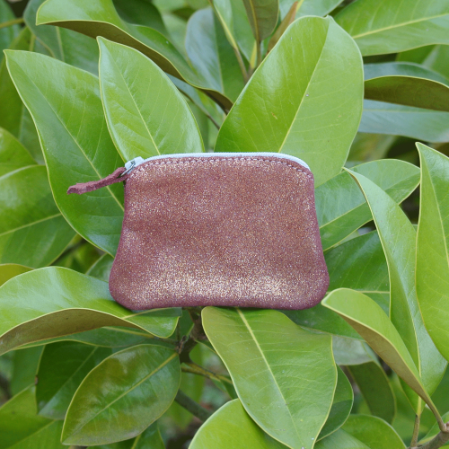 cuirs-fantaisies-la-cartabliere-fabrique-en-france-porte-monnaie-kiwi-en-cuir-paillete-grenat-dore