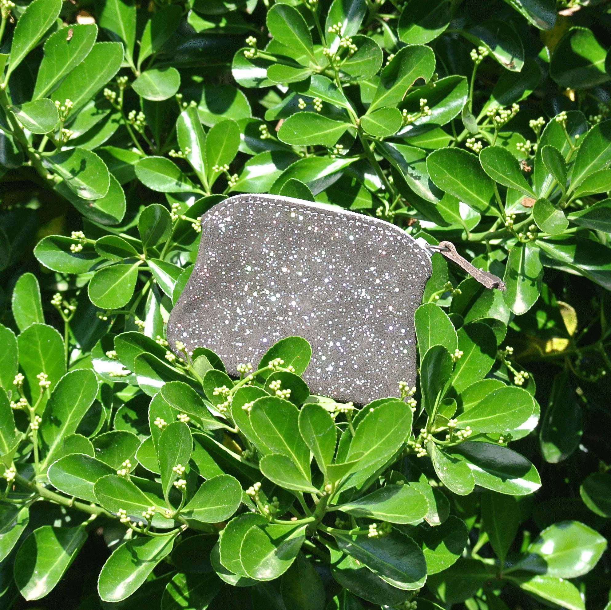 cuirs-fantaisies-la-cartabliere-fabrique-en-france-porte-monnaie-kiwi-en-cuir-paillete-oeil-de-tigre
