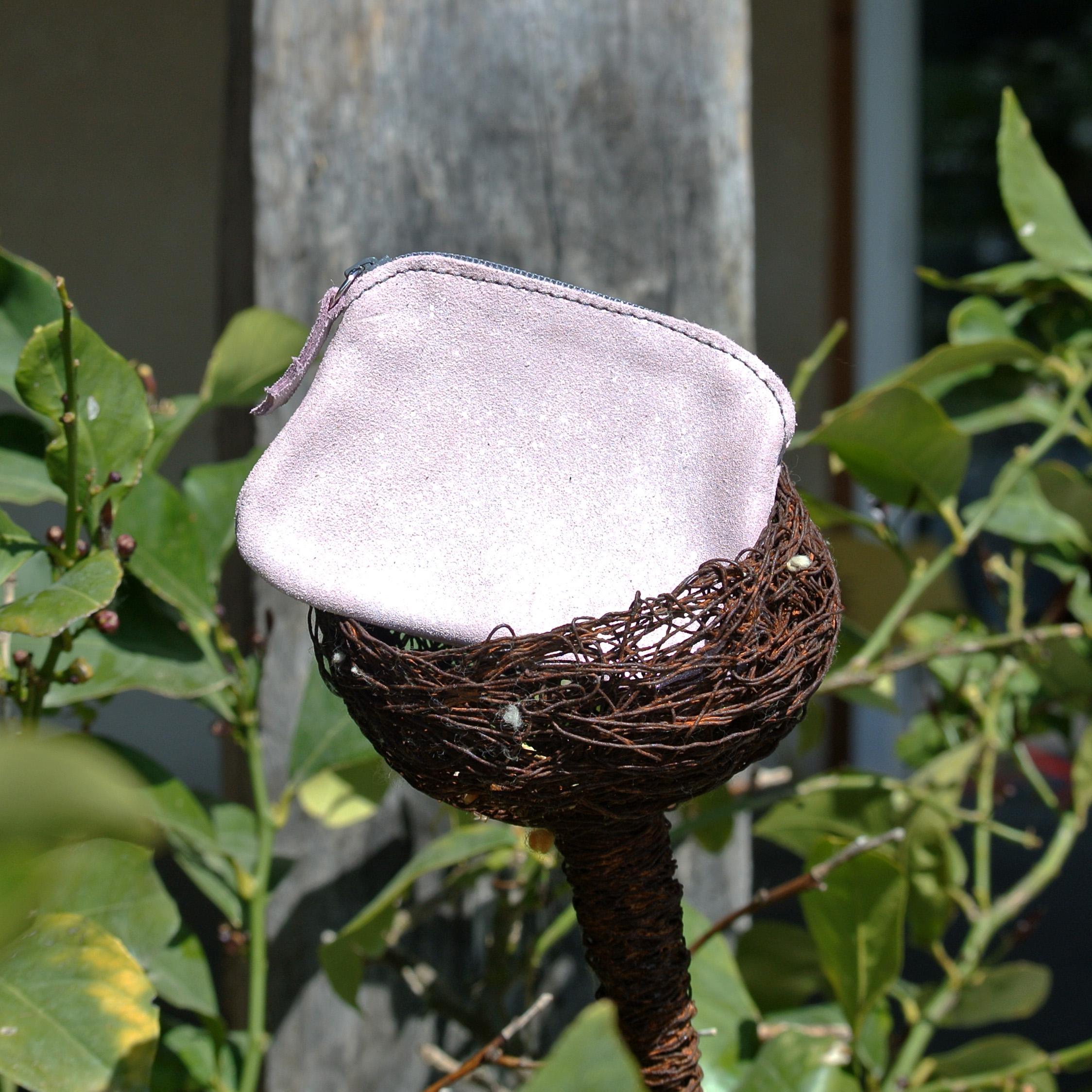 cuirs-fantaisies-la-cartabliere-fabrique-en-france-porte-monnaie-kiwi-en-cuir-paillete-rose-poudre