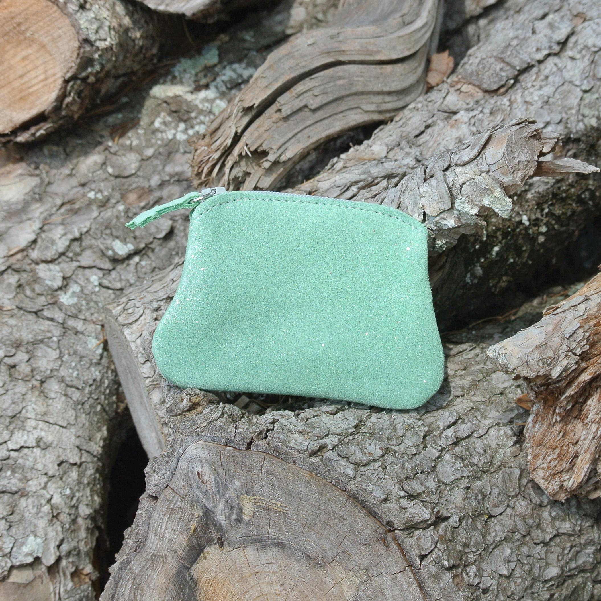 cuirs-fantaisies-la-cartabliere-fabrique-en-france-porte-monnaie-kiwi-en-cuir-paillete-vert-amande