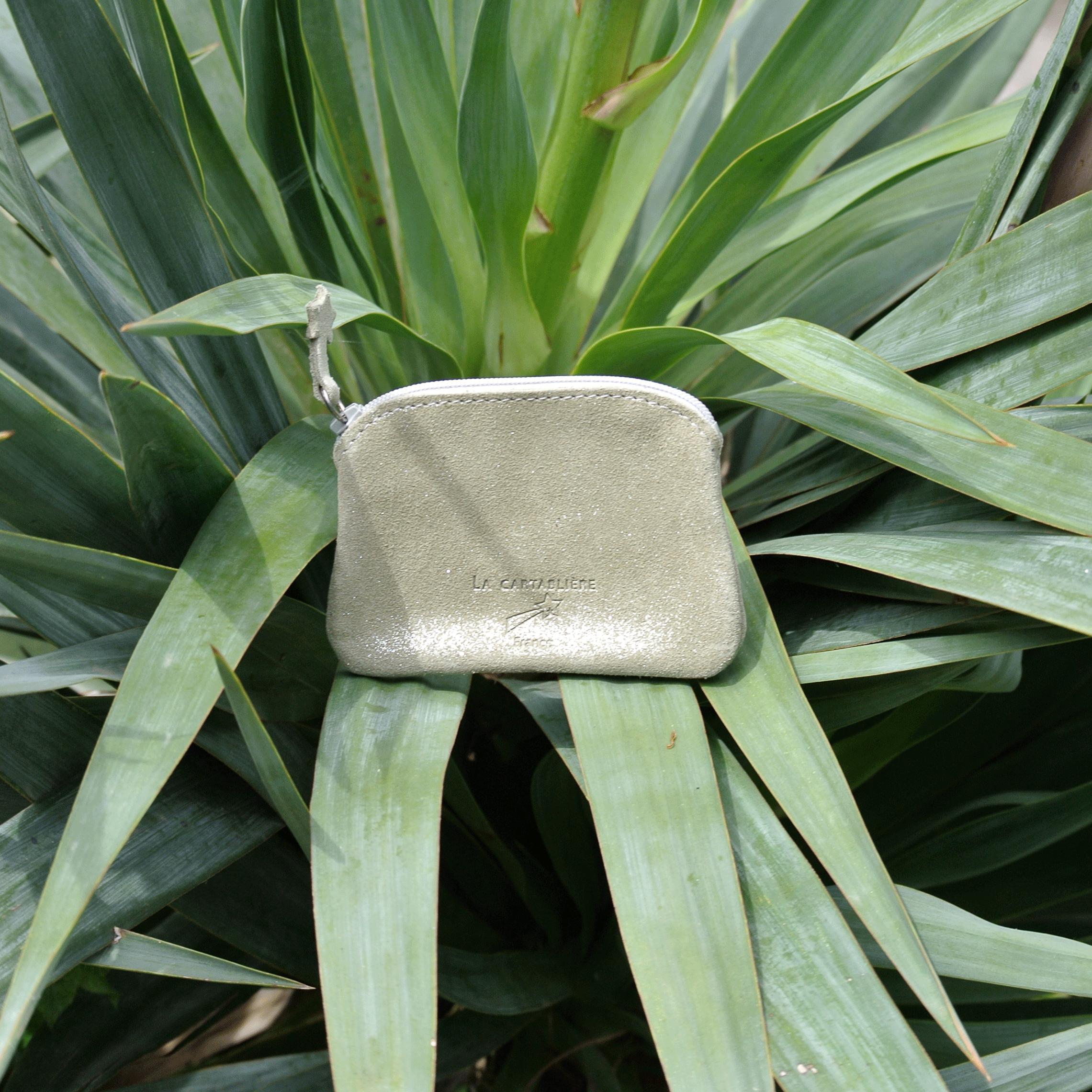 cuirs-fantaisies-la-cartabliere-fabrique-en-france-porte-monnaie-kiwi-en-cuir-paillete-vert-olive