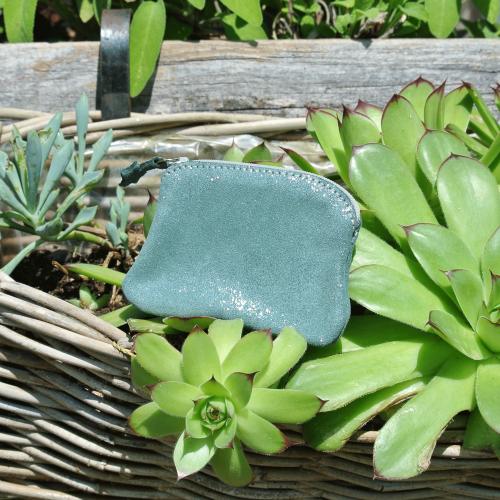 cuirs-fantaisies-la-cartabliere-fabrique-en-france-porte-monnaie-kiwi-en-cuir-paillete-vert-pin
