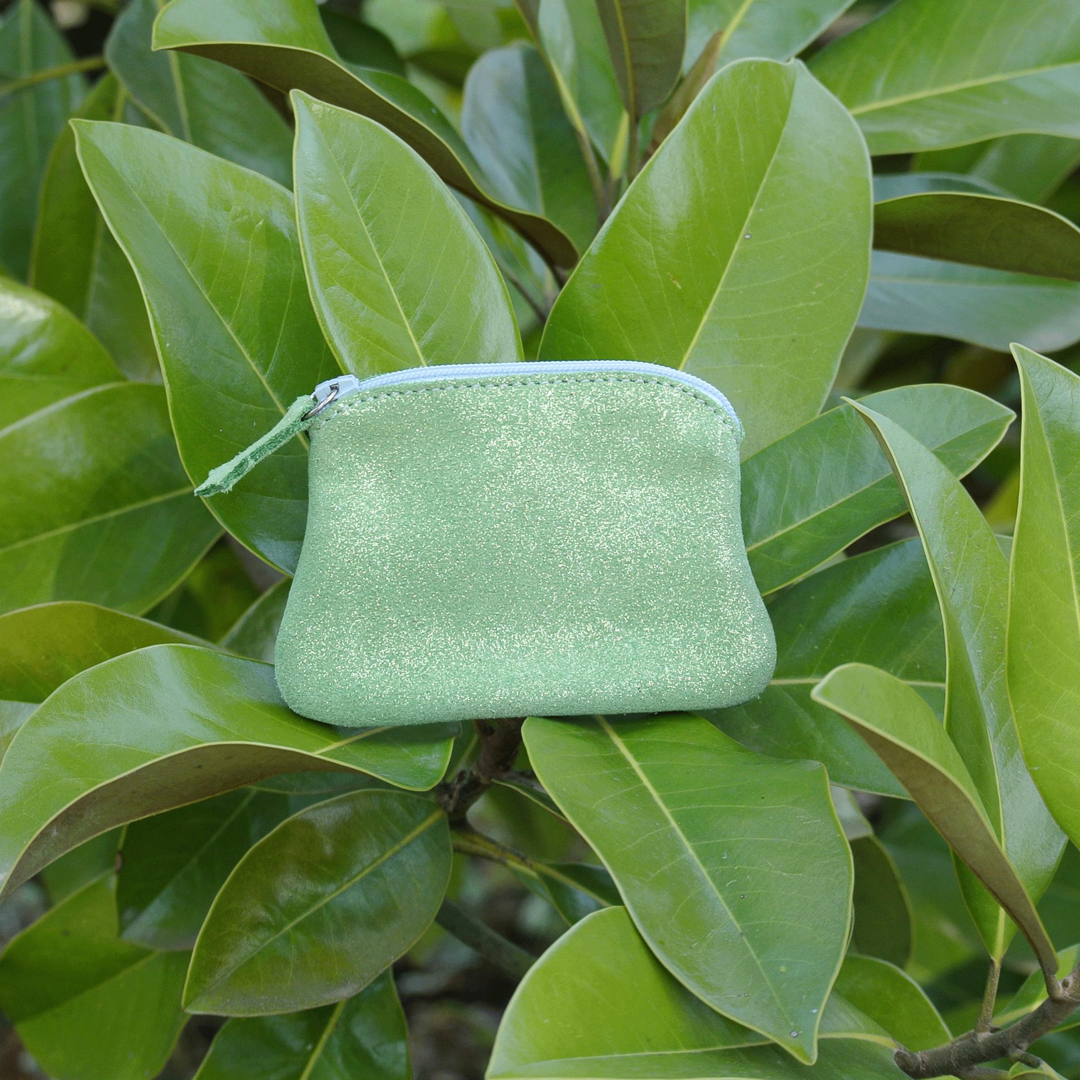 cuirs-fantaisies-la-cartabliere-fabrique-en-france-porte-monnaie-kiwi-en-cuir-paillete-vert-pistache