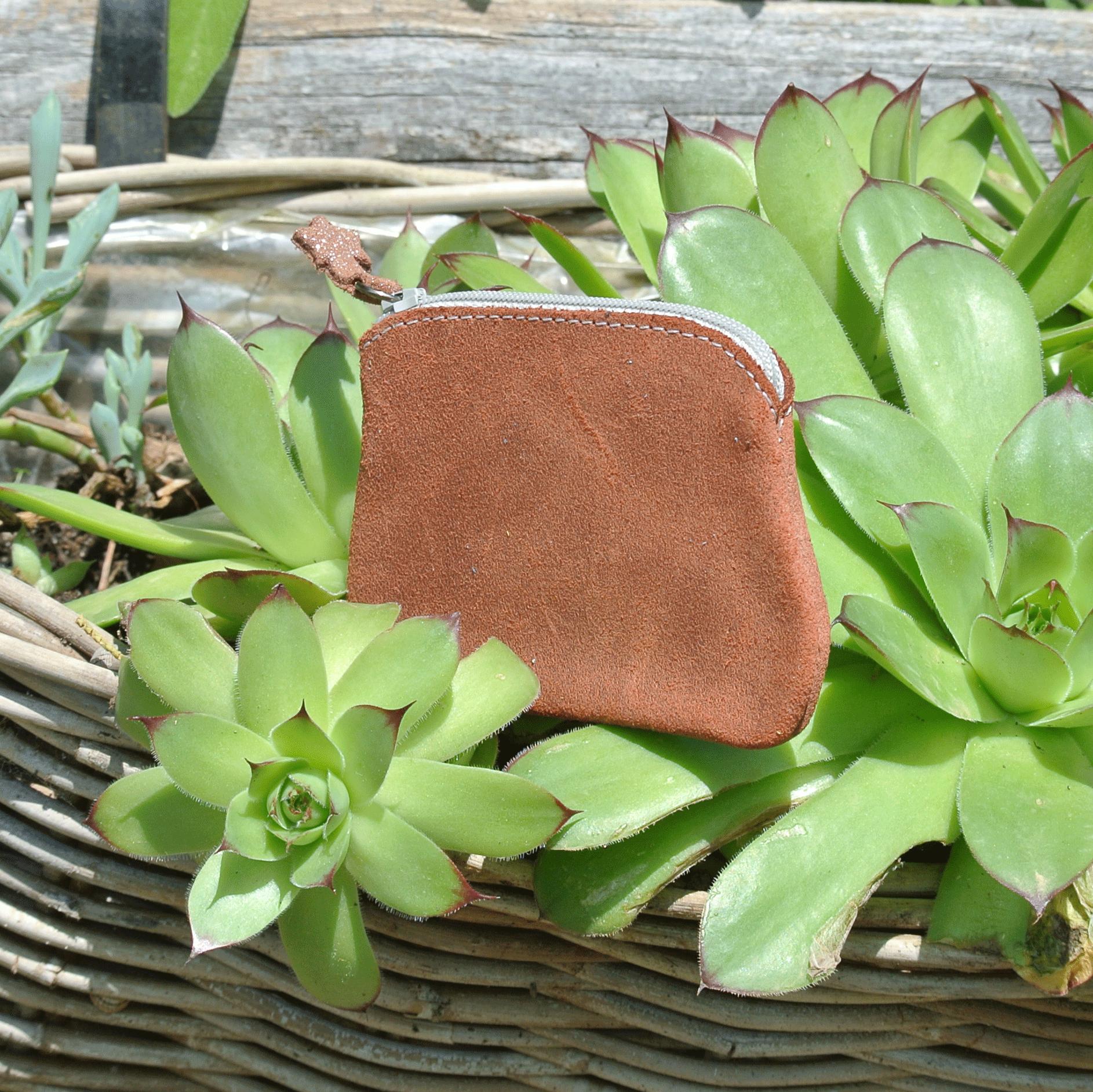 cuirs-fantaisies-la-cartabliere-fabrique-en-france-porte-monnaie-kiwi-en-cuir-retro-terracotta