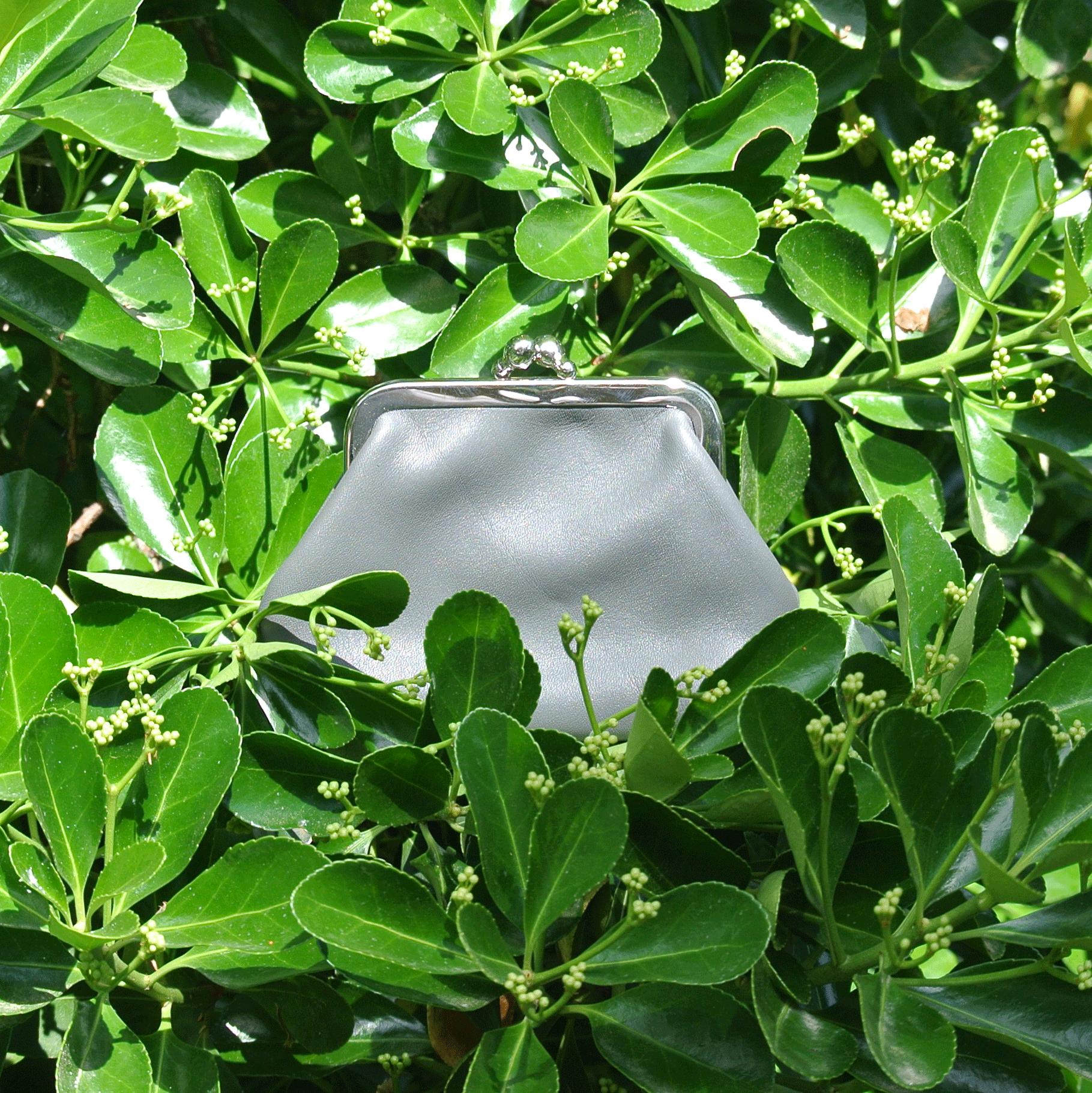 la-cartabliere-fabrique-en-france-made-in-france-porte-monnaie-reine-en-cuir-nappa-gris