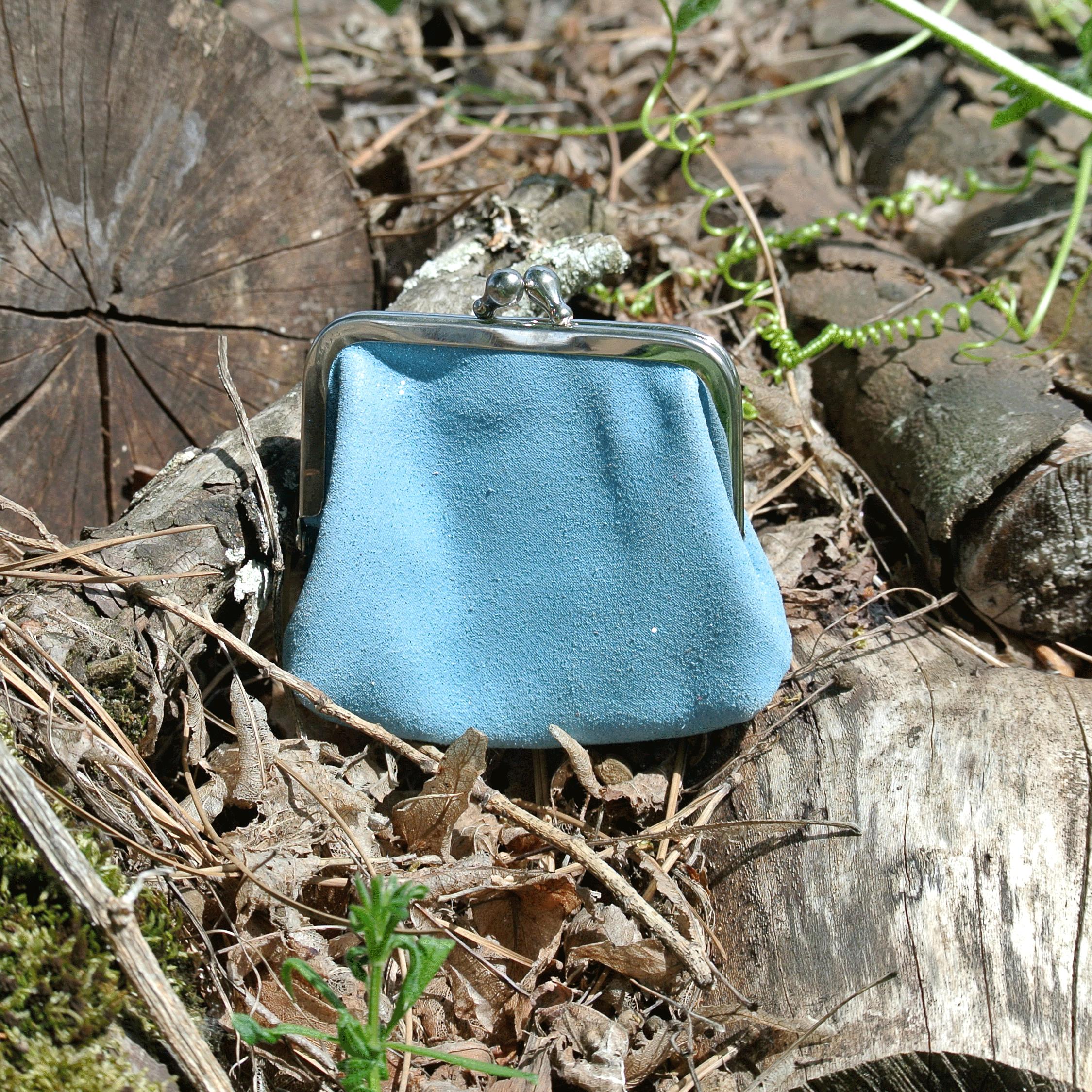 la-cartabliere-fabrique-en-france-made-in-france-porte-monnaie-reine-en-cuir-paillete-bleu-azur