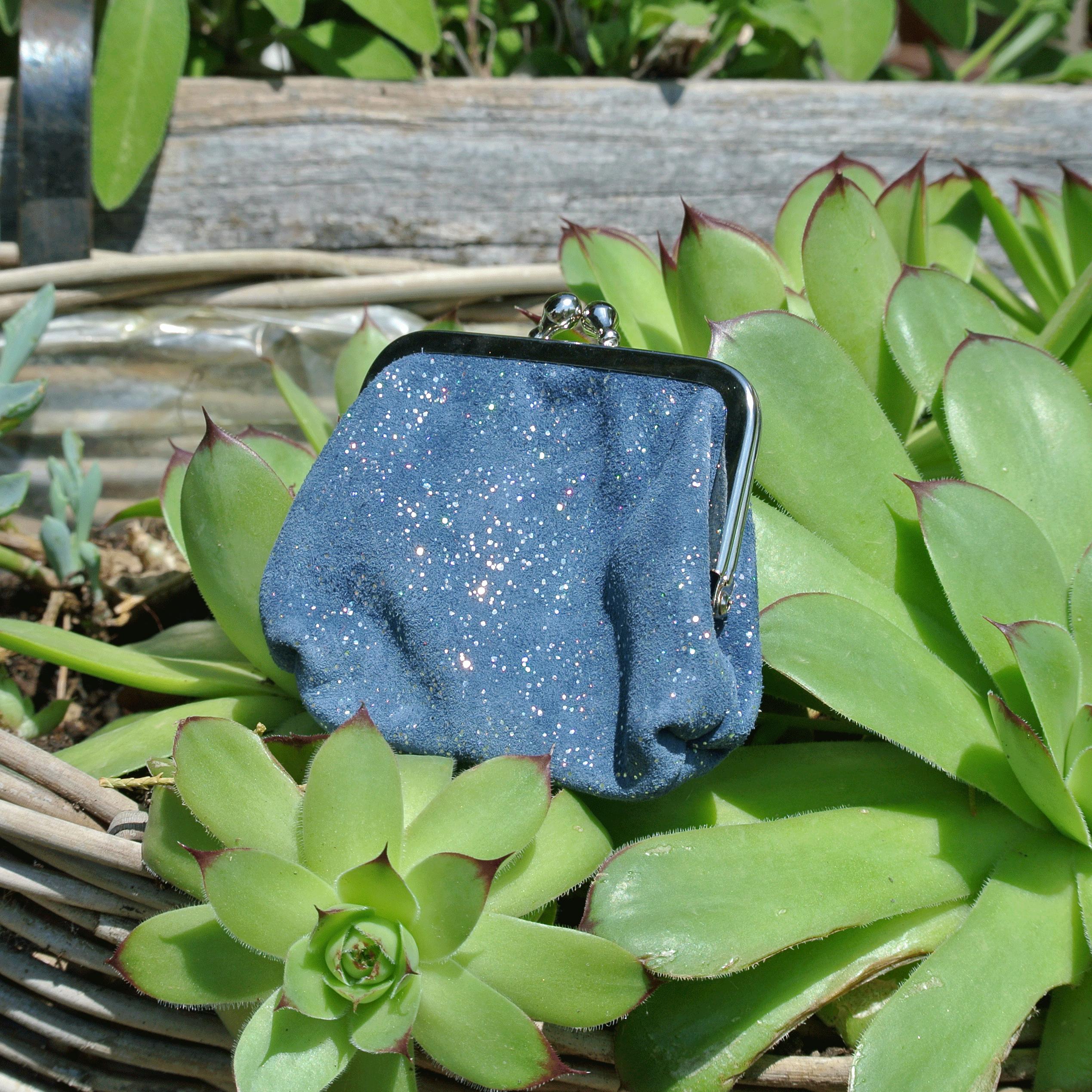 la-cartabliere-fabrique-en-france-made-in-france-porte-monnaie-reine-en-cuir-paillete-bleu-lapiz-lazulli