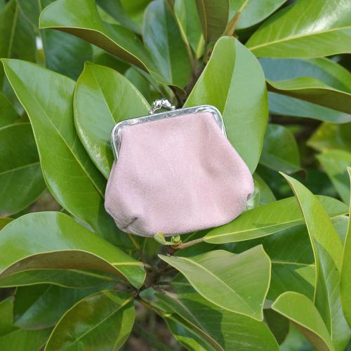 la-cartabliere-fabrique-en-france-made-in-france-porte-monnaie-reine-en-cuir-retro-rose-bonbon
