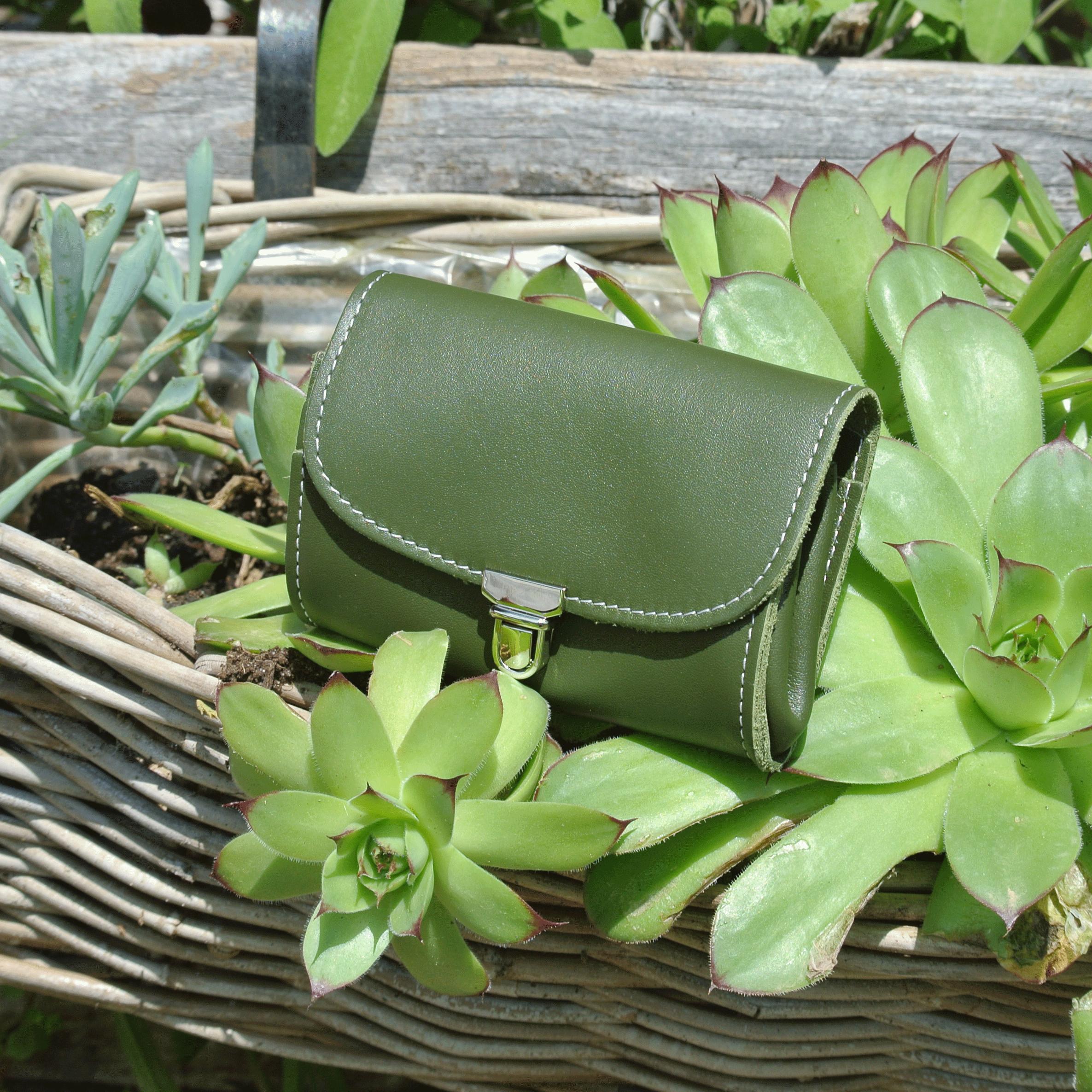 portefeuille-royale-en-cuir-nappa-vert