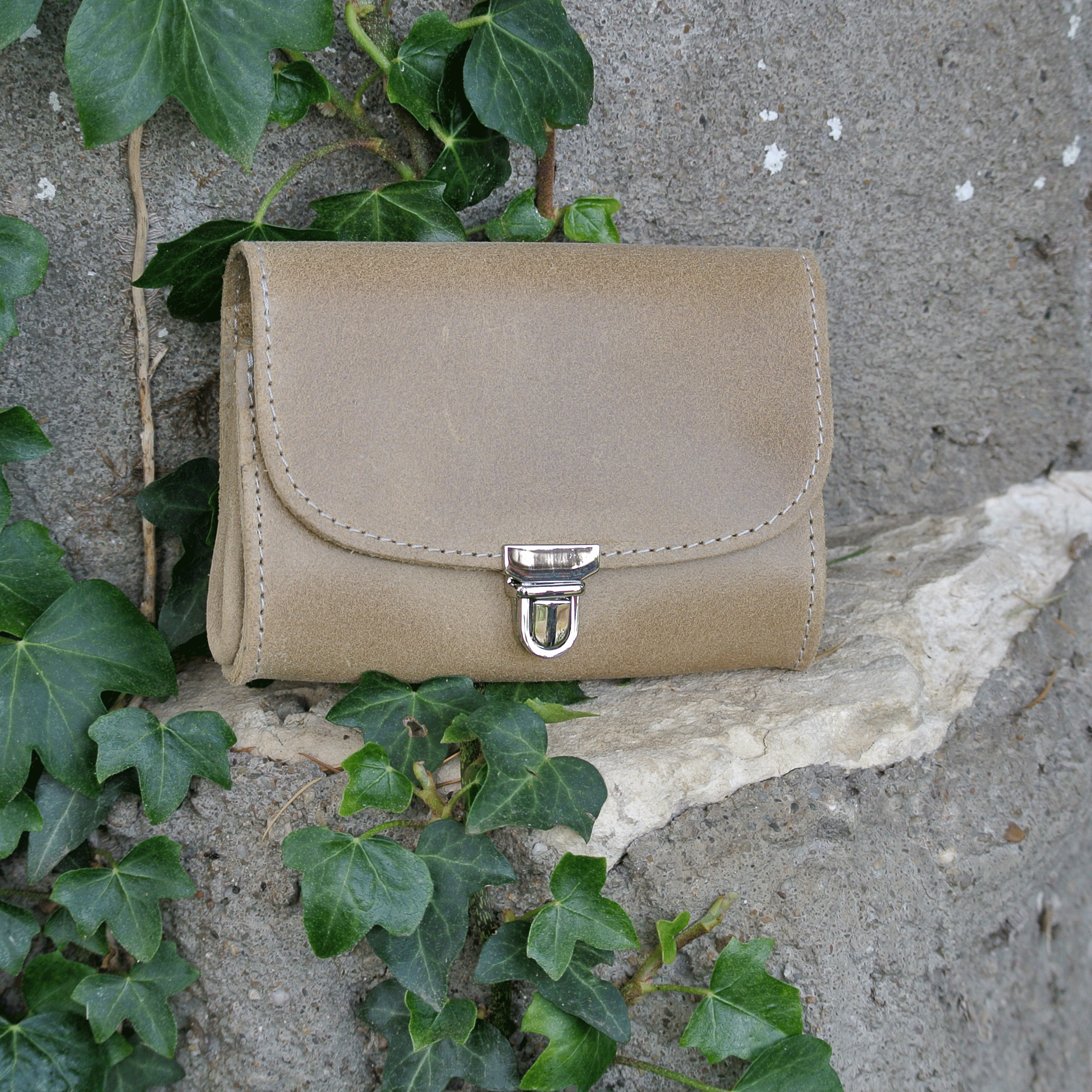 portefeuille-royale-en-cuir-retro-beige-coquillage