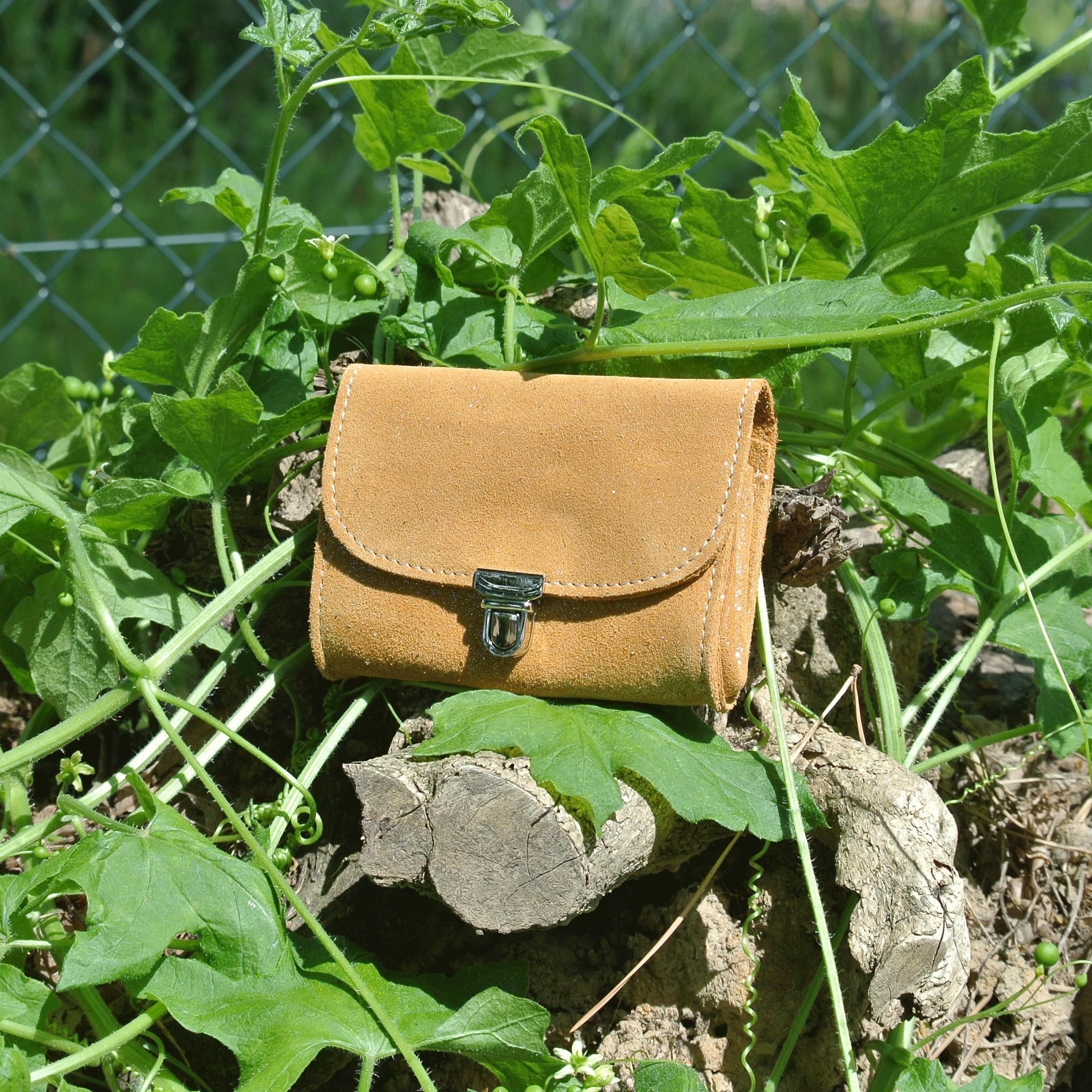 portefeuille-royale-en-cuir-paillete-miel