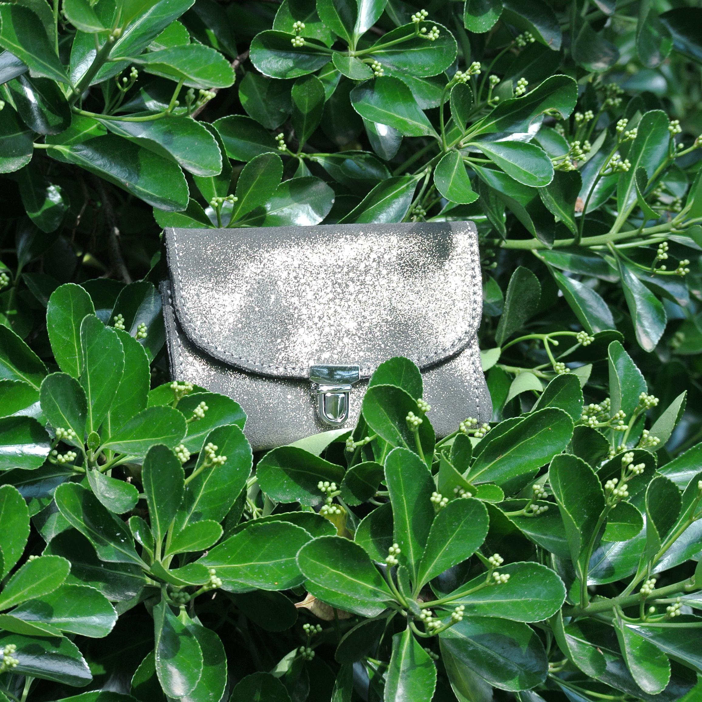 portefeuille-royale-en-cuir-paillete-vert-dore