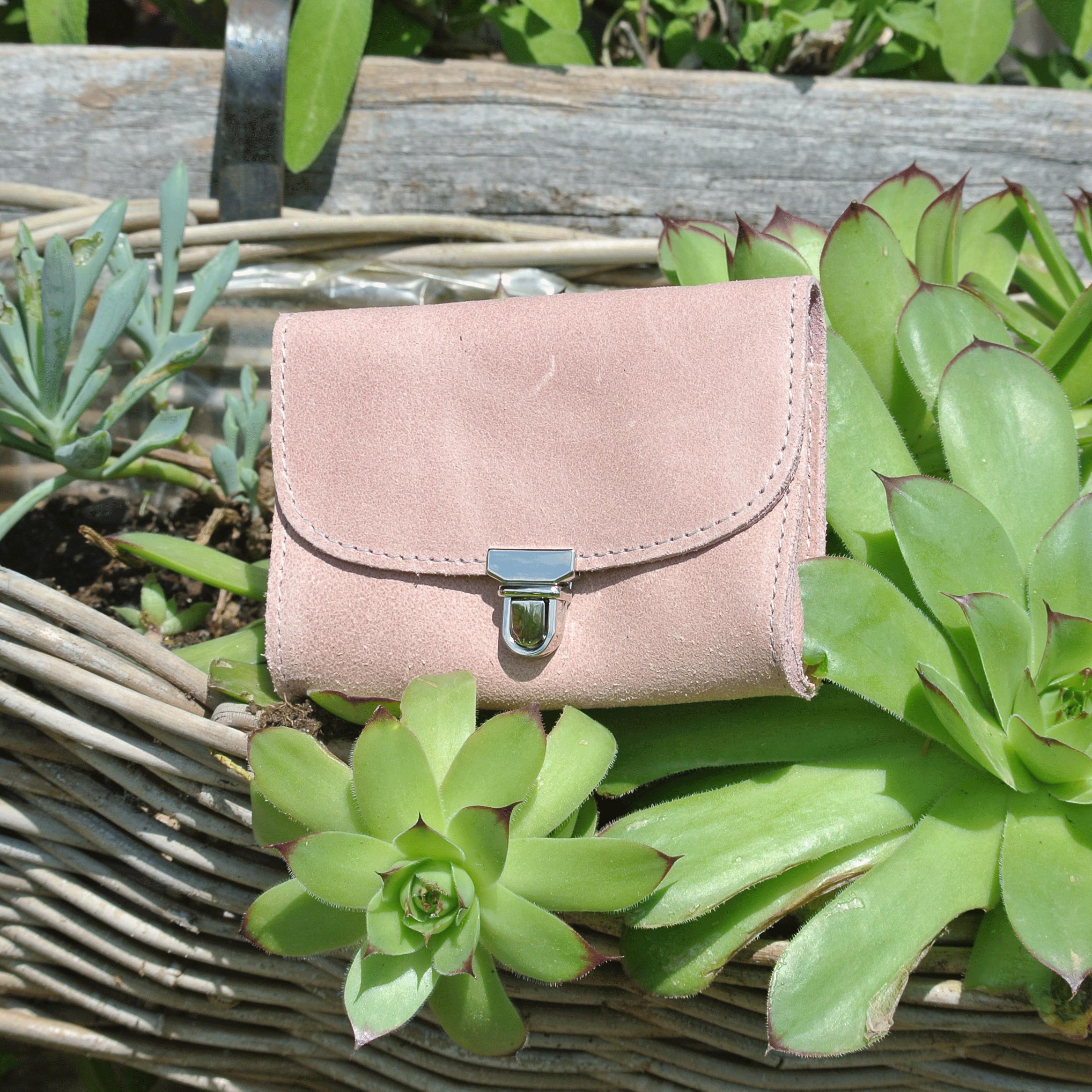 portefeuille-royale-en-cuir-retro-rose-bonbon